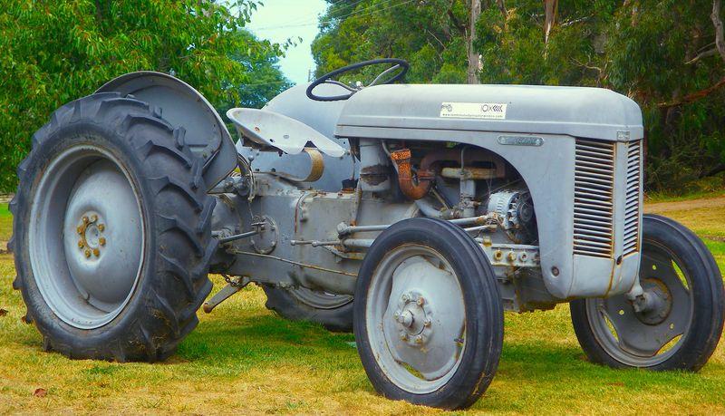 Ten Minute's Tractor